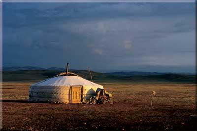 http://www.colt-pictures.de/ww/prog2005-6/bild_mongolei.jpg